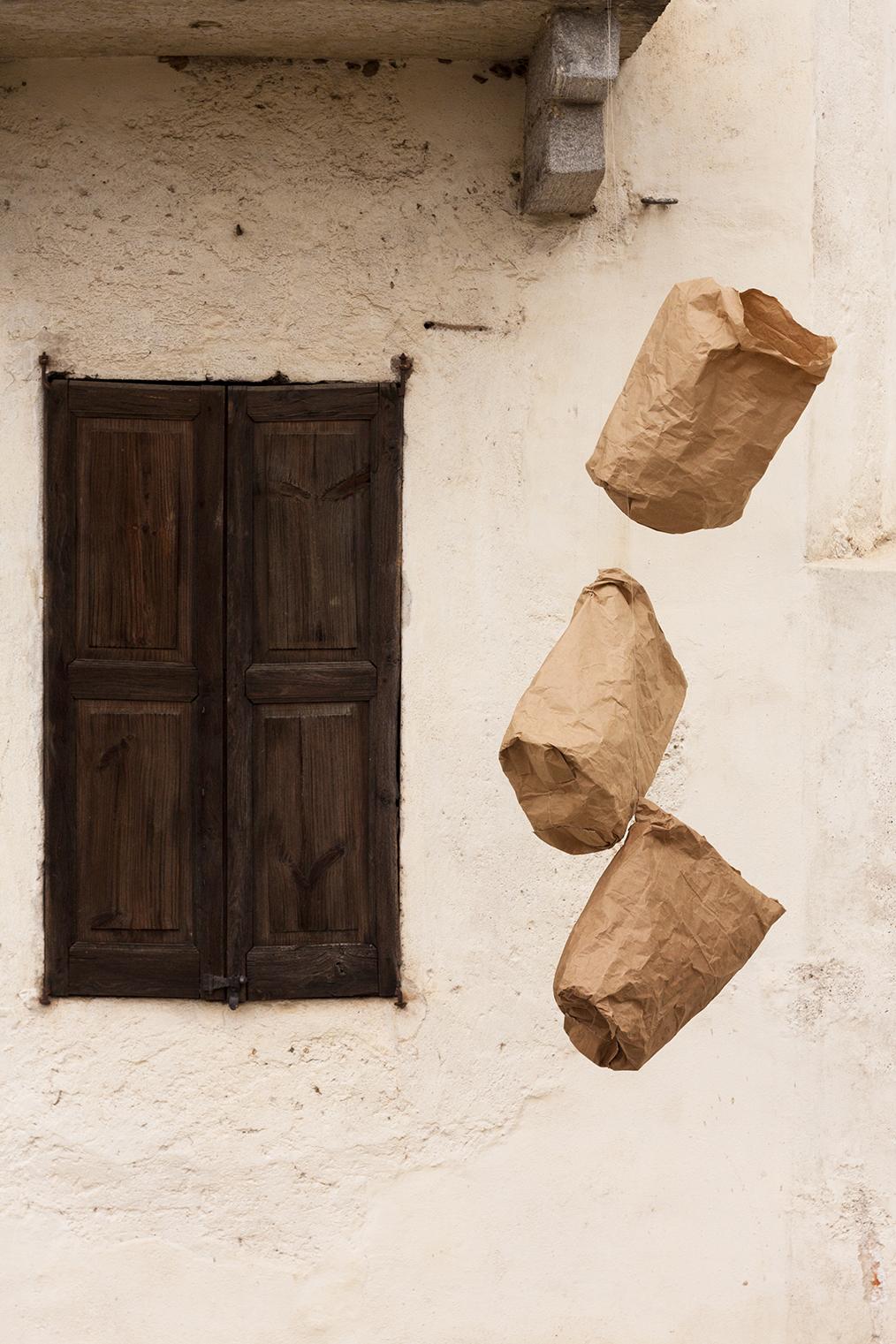 sacchetti del pane e attesa